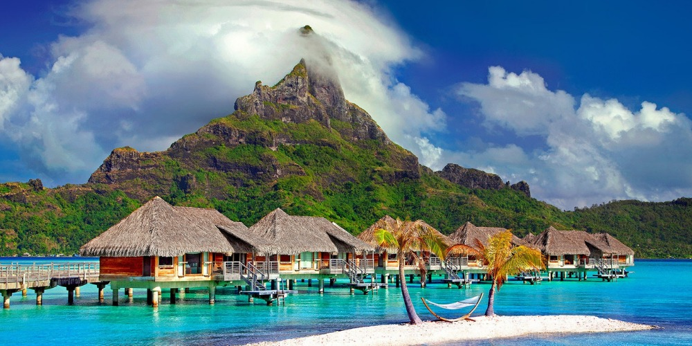This image has an empty alt attribute; its file name is BORA-BORA.jpg